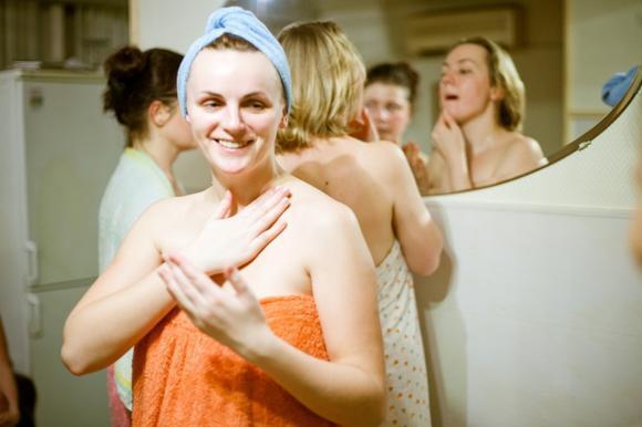 Женское мытье в душе и бане